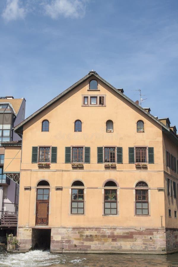 Casa colorida velha em Strasbourg foto de stock
