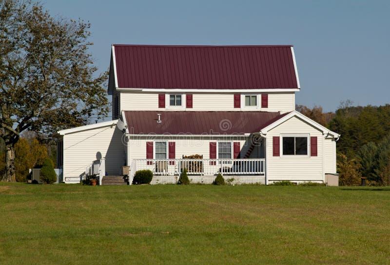 Download Casa com telhado roxo imagem de stock. Imagem de roxo - 16863587