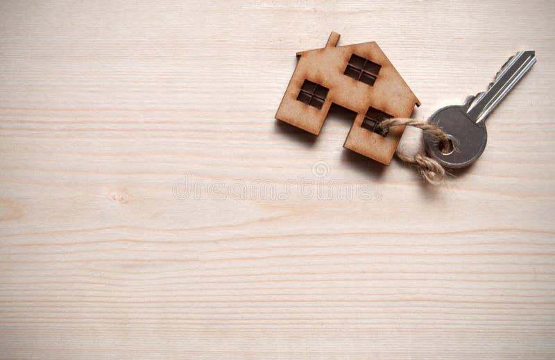Casa con llave foto de archivo libre de regalías