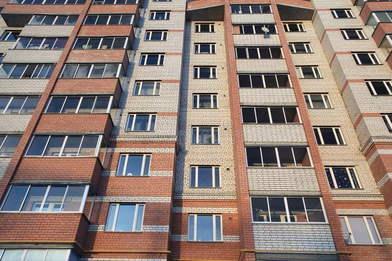Simple casa con mattoni a vista della parete con le - Parete con mattoni a vista ...