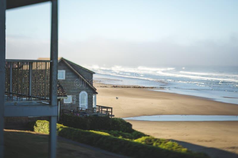 Casa costera en la playa foto de archivo libre de regalías