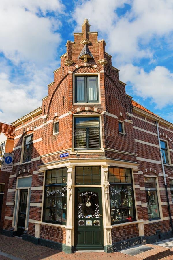 Casa d'angolo storica in Hoorn, Paesi Bassi fotografia stock libera da diritti