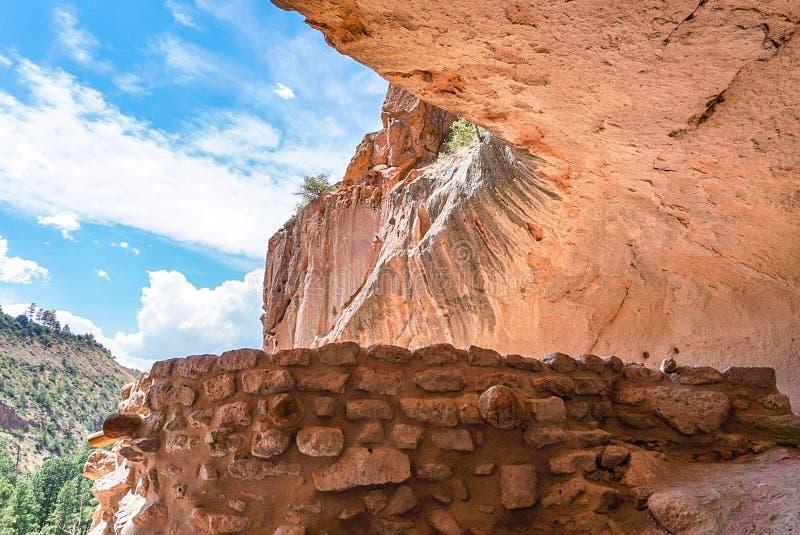 Casa da alcova no parque do monumento nacional de Bandelier em Los Alamos, New mexico imagem de stock