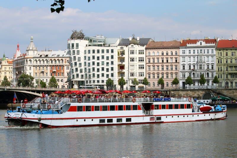 Casa da dança em Praga imagens de stock royalty free