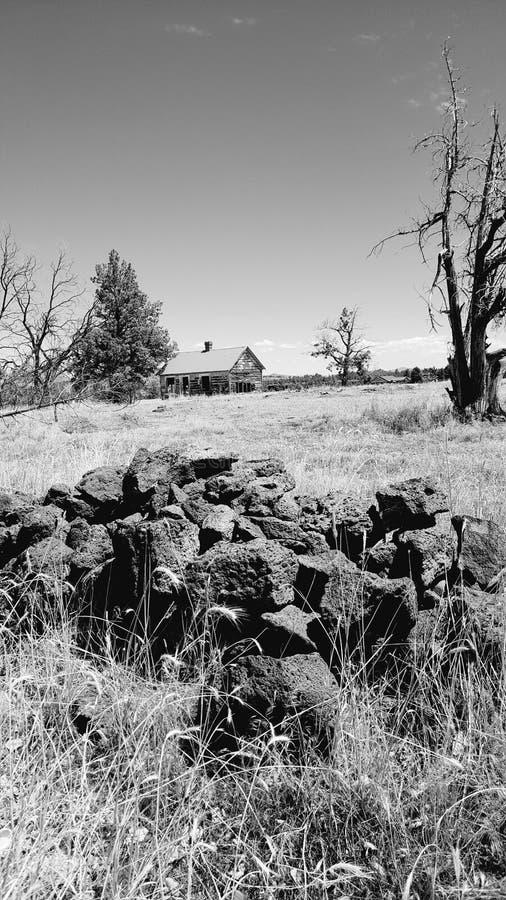 Casa da exploração agrícola de Abandonded fotografia de stock royalty free