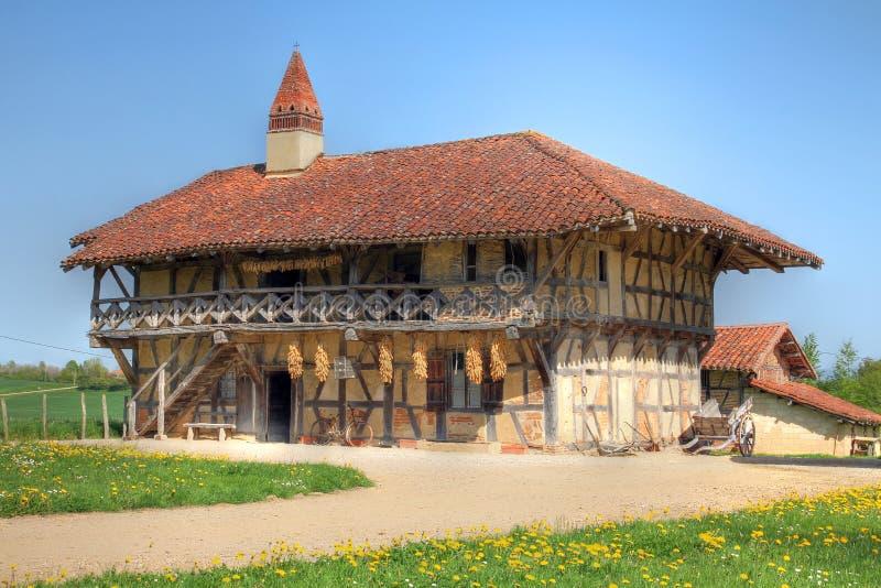 Casa da exploração agrícola perto de Bourg-en-Bresse, France imagem de stock