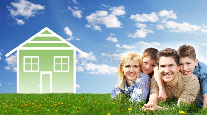 Casa da família. imagem de stock royalty free