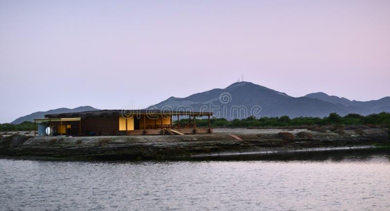 Casa da lagoa imagens de stock