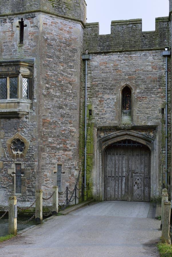 Casa da porta do palácio dos bispos imagens de stock