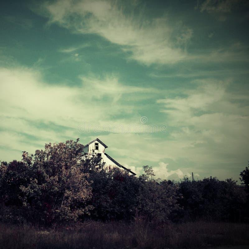 Casa da quinta abandonada foto de stock