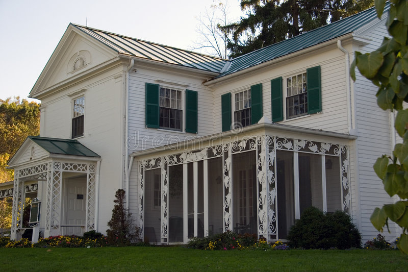 Casa da quinta do século fotos de stock