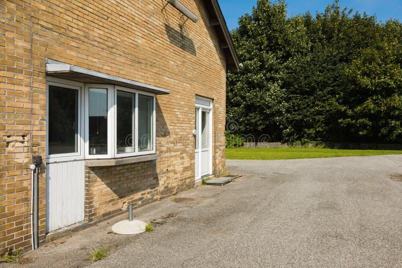 Casa da quinta em Europa norte fotos de stock