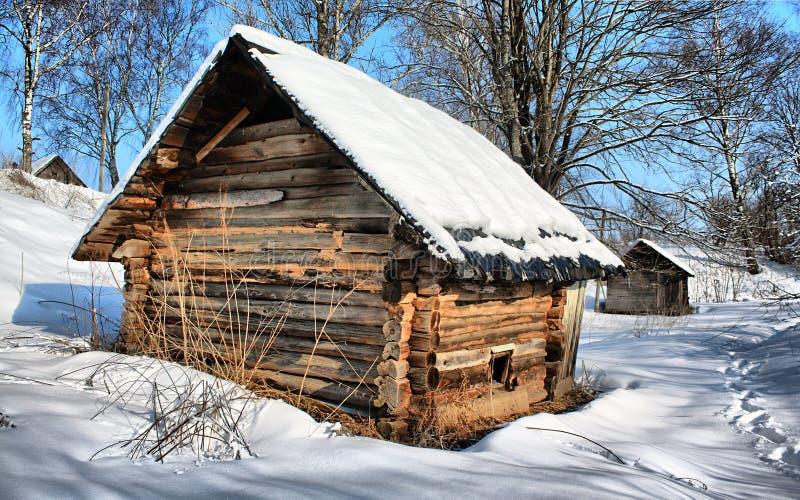 Download Casa da quinta velha imagem de stock. Imagem de perigo - 12800811