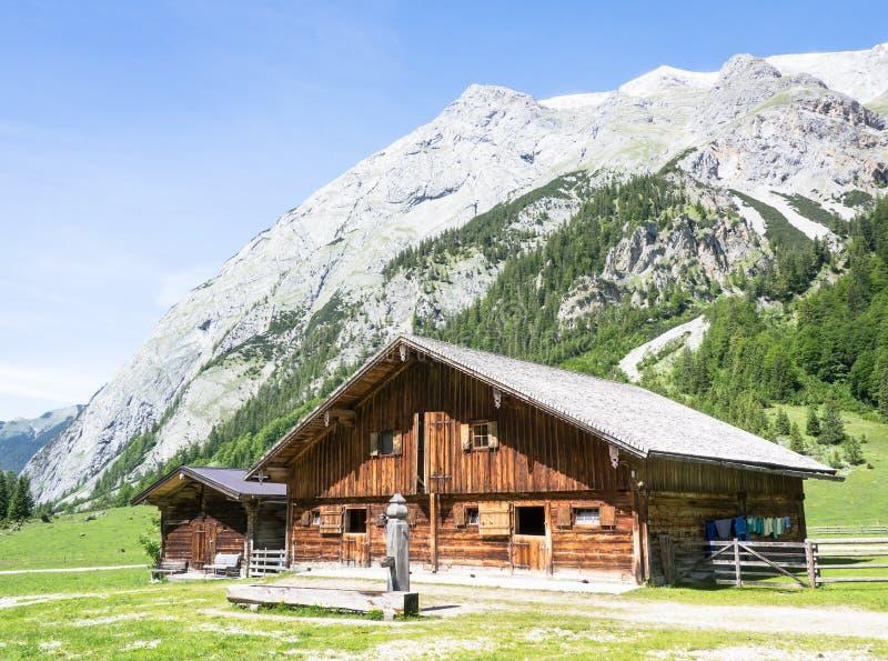Download Karwendel imagem de stock. Imagem de europeu, grama, verão - 29844153