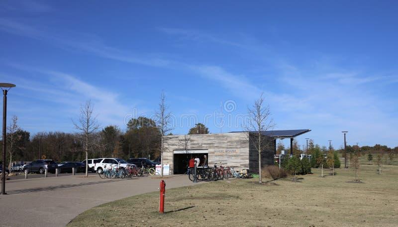 Casa de alquiler de la bici en Shelby Farms Park, Memphis Tennessee imagen de archivo libre de regalías