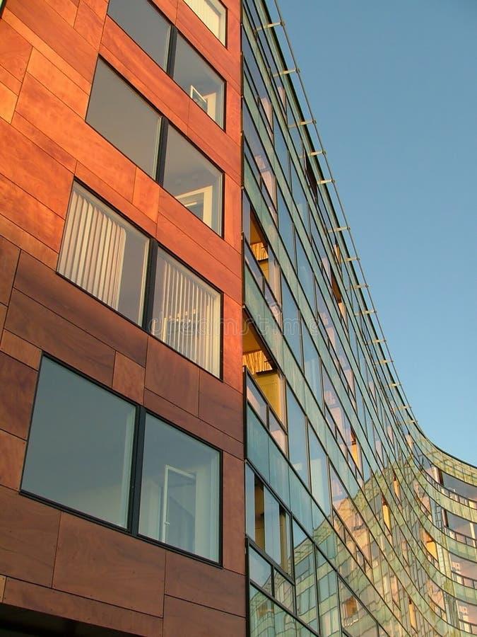Download Casa De Apartamento Moderna Foto de archivo - Imagen de vidrioso, edificio: 178416