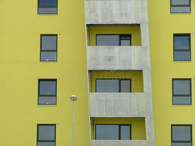 Casa de apartamento moderna fotografia de stock royalty free