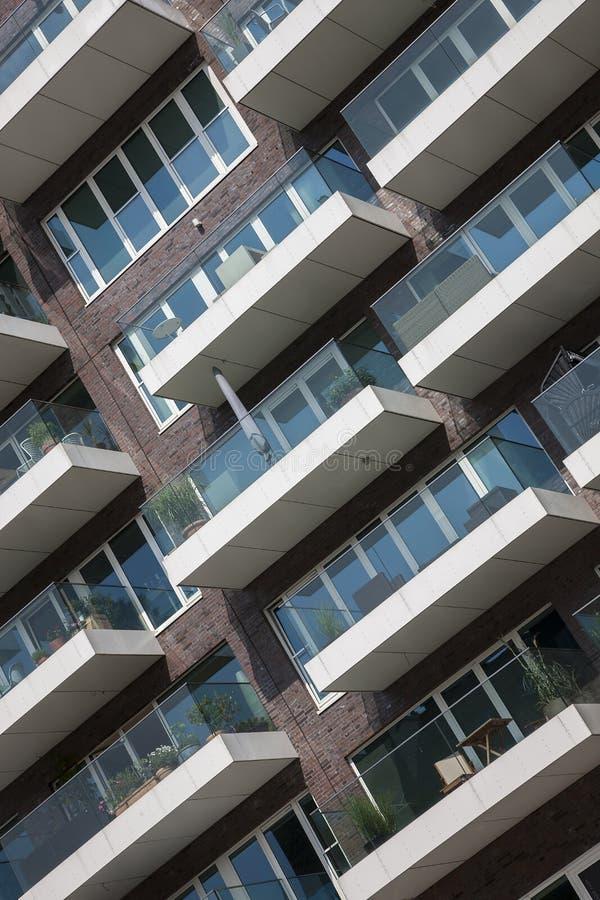 Casa de apartamento moderna nova imagens de stock