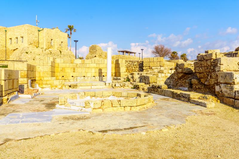 Casa de baños romana en el parque nacional de Caesarea fotografía de archivo