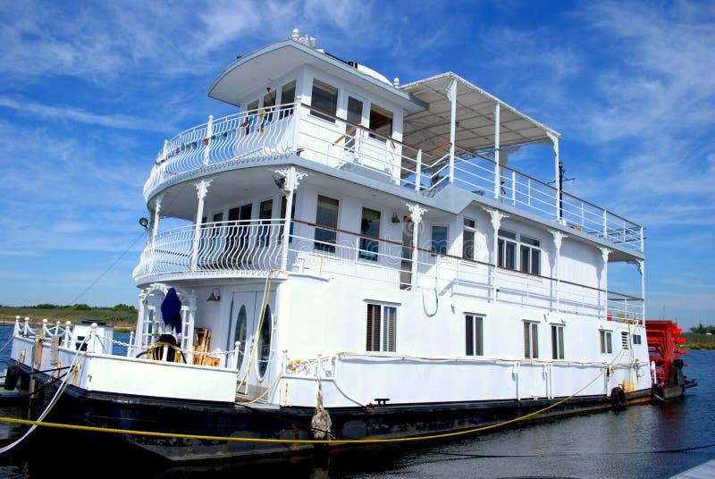 Casa de barco imagen de archivo libre de regalías