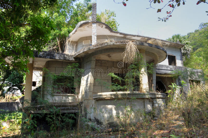 Casa de campo abandonada, Kep fotografia de stock
