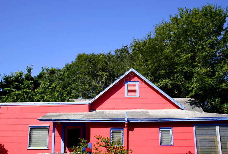 Famosos Casa De Campo Catita Na Cor-de-rosa E No Azul Foto de Stock  PY25