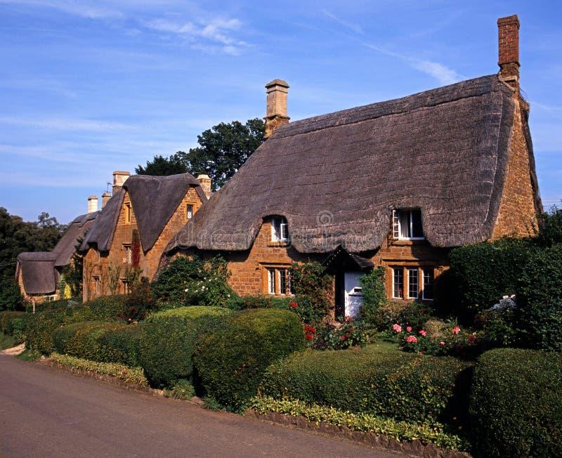 Casa de campo cobrida com sapê, grande Tew, Reino Unido. foto de stock royalty free