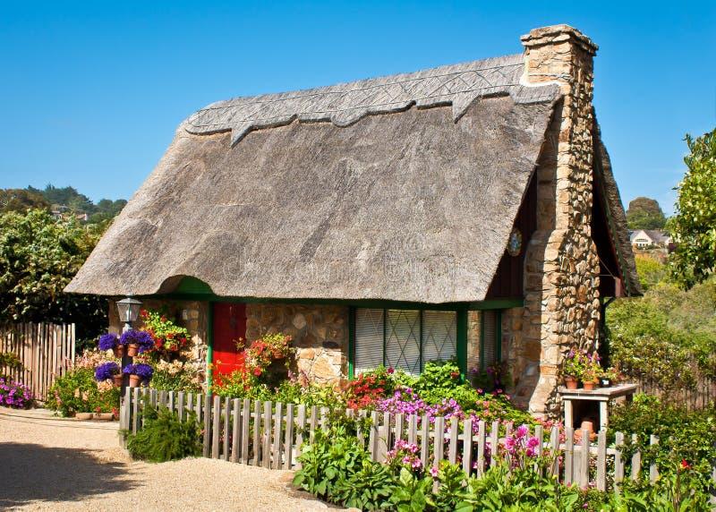 Download Casa de campo de Carmel imagem de stock. Imagem de pedra - 26515561