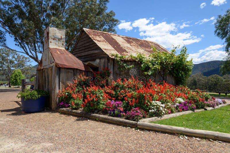 Casa de campo de pedra velha fotografia de stock royalty free