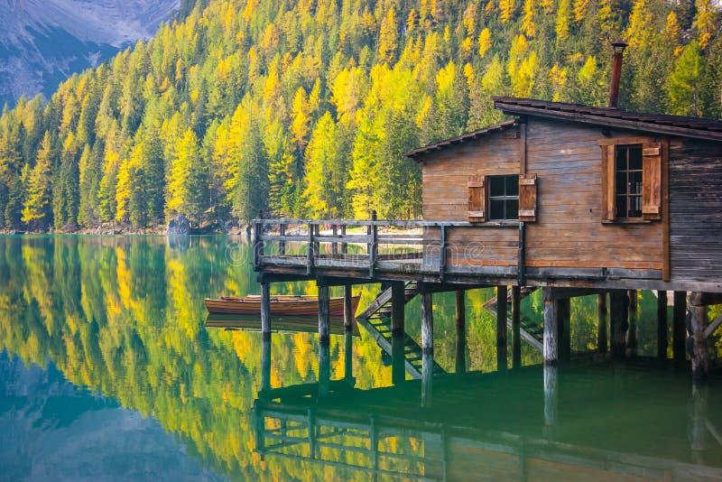 Casa de campo del lago Prags fotografía de archivo