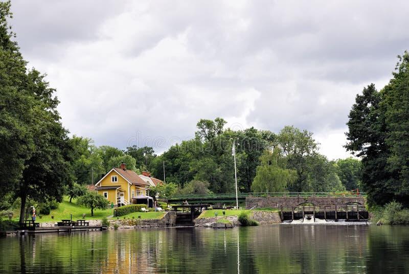 Casa de campo do verão imagem de stock royalty free