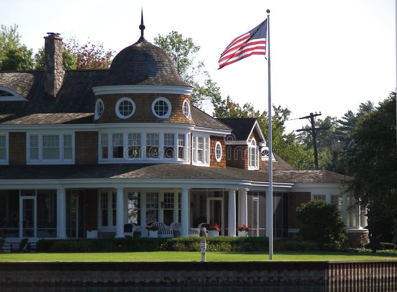 Casa de campo do verão fotografia de stock royalty free