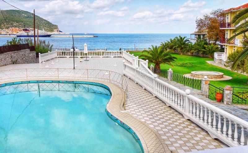 Casa de campo e casas luxuosas das férias imagens de stock royalty free