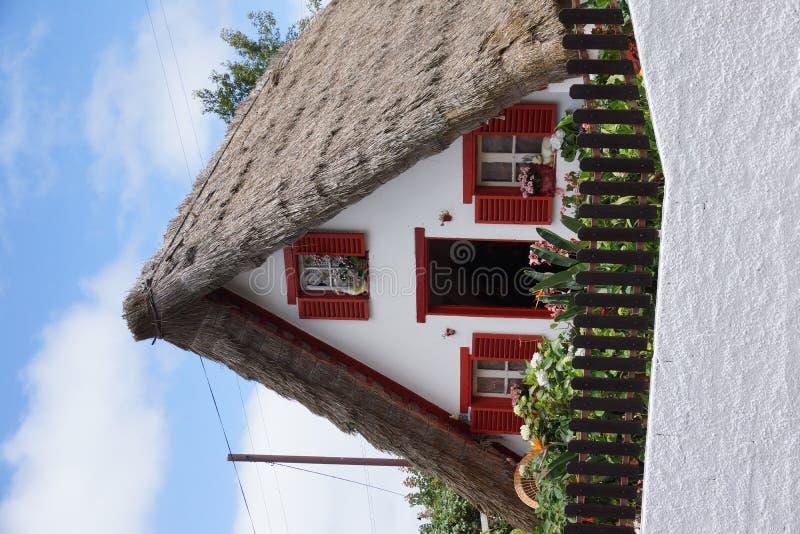 Casa de campo em Santana (Madeira) fotografia de stock