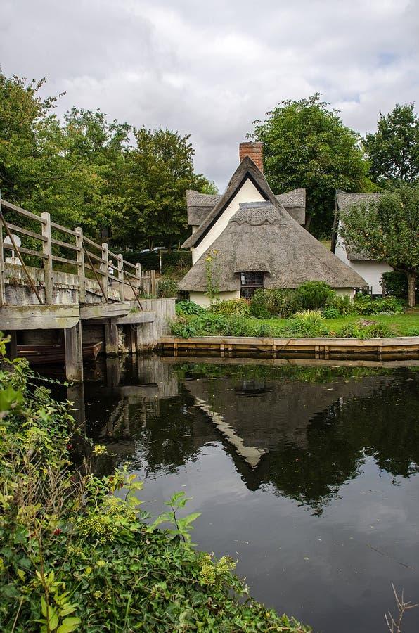 Casa de campo Flatford da ponte fotografia de stock