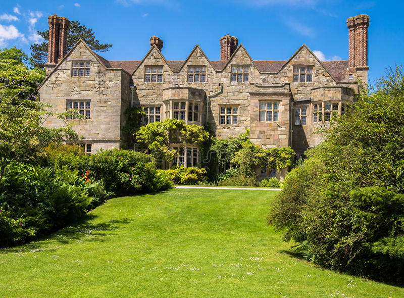Casa de campo inglesa histórica fotos de stock