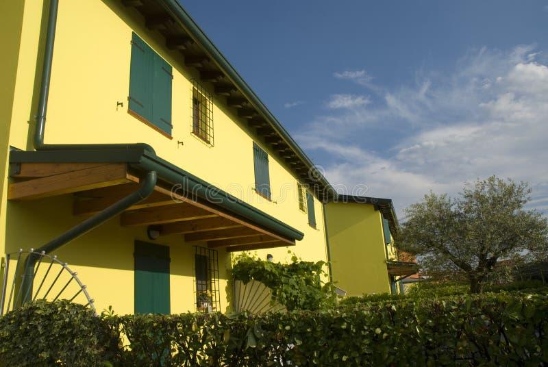 Casa de campo italiana moderna imagem de stock royalty free