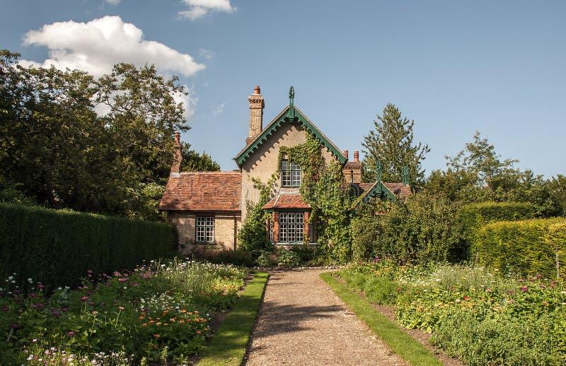 Casa de campo lacey dos jardineiro de Polesden fotos de stock royalty free