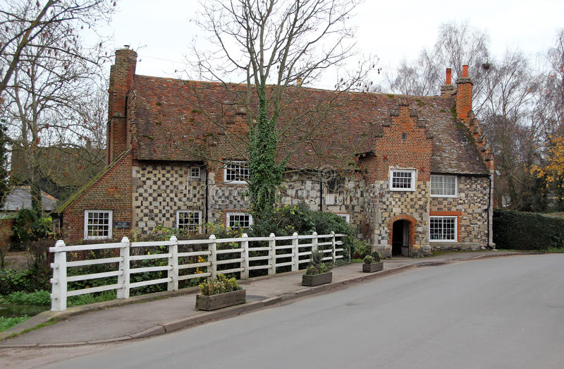 Casa de campo medieval de Kent imagem de stock