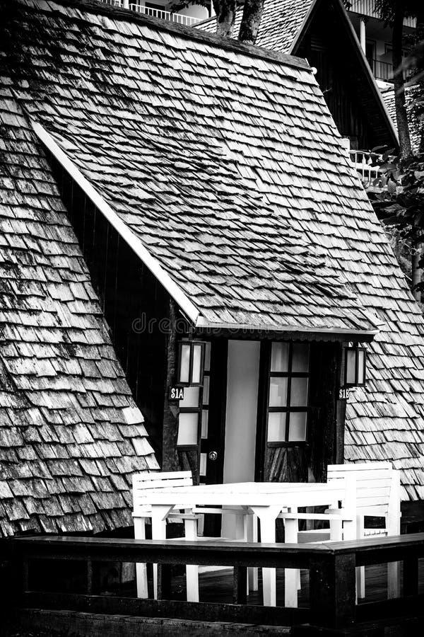 Casa de campo na selva imagem de stock royalty free