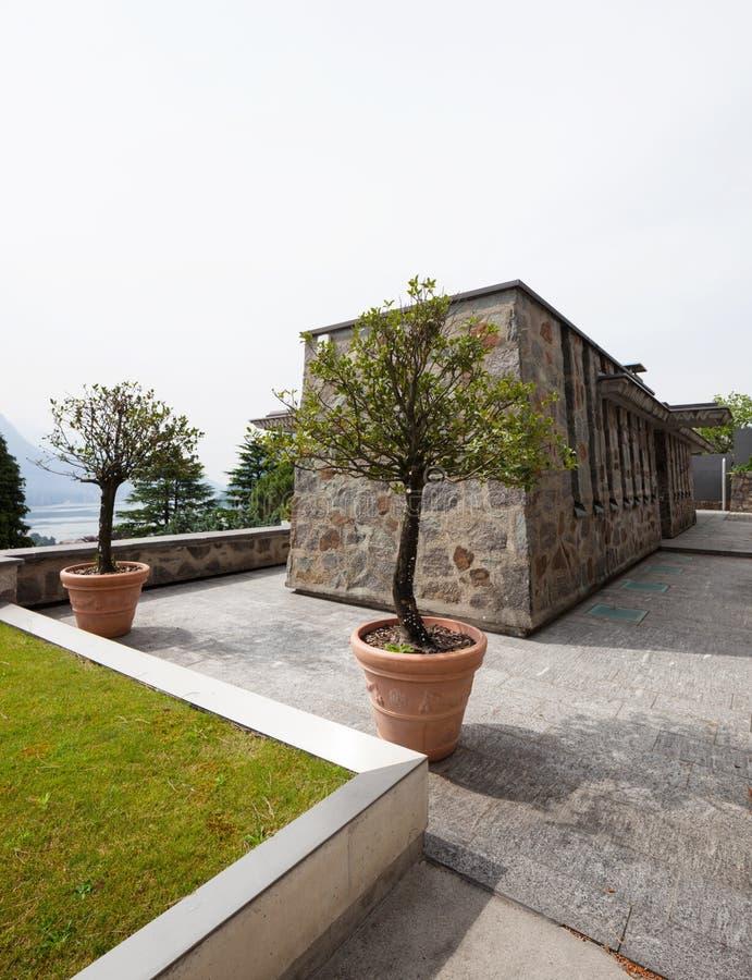 Casa de campo de pedra luxuosa foto de stock royalty free