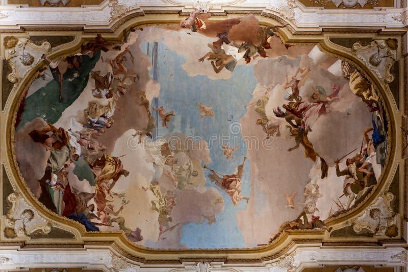 Casa de campo Pisani da sala de bola do teto de Tiepolo, Stra, Vêneto, Itália imagem de stock royalty free