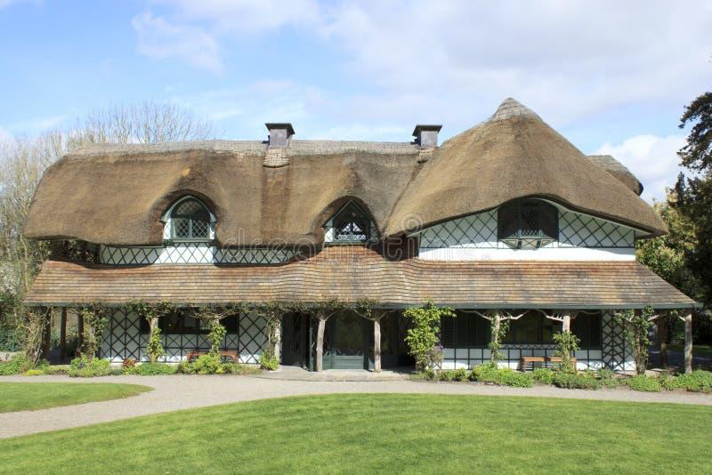 A casa de campo suíça em Cahir foto de stock royalty free
