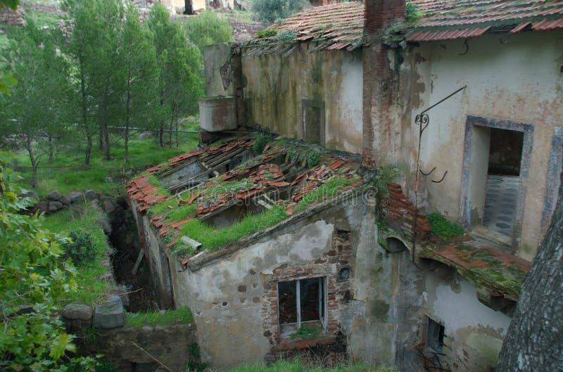 Casa de campo velha de Tuscan fotografia de stock royalty free
