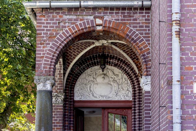 Casa de campo velha do tijolo Estilo do ` de Art Nouveau do ` O começo do século XX foto de stock royalty free