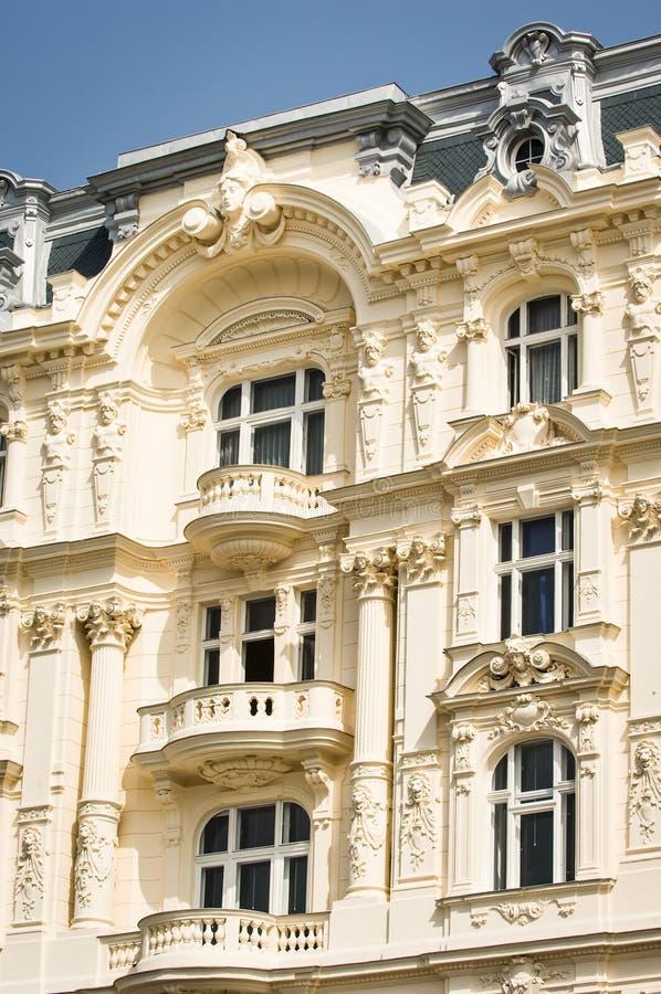 Download Casa de campo velha foto de stock. Imagem de facade, fotografia - 29841832
