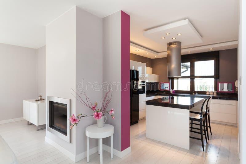 Casa de campo vibrante - cozinha imagem de stock royalty free