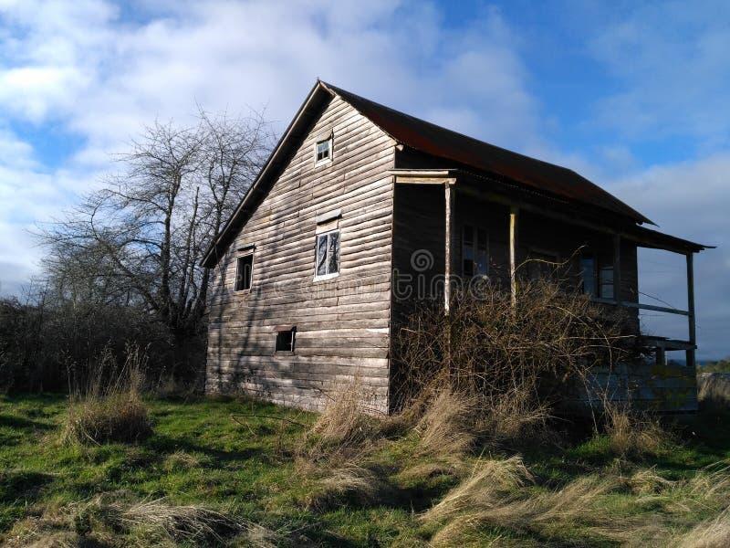 Casa de campo vieja imagen de archivo