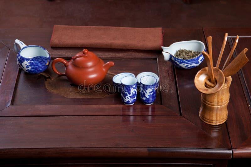 Download Casa de chá tradicional foto de stock. Imagem de earthenware - 12810370