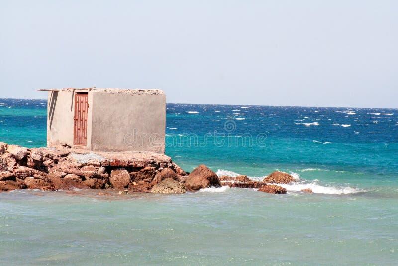 Casa de la arquitectura de la playa imagenes de archivo